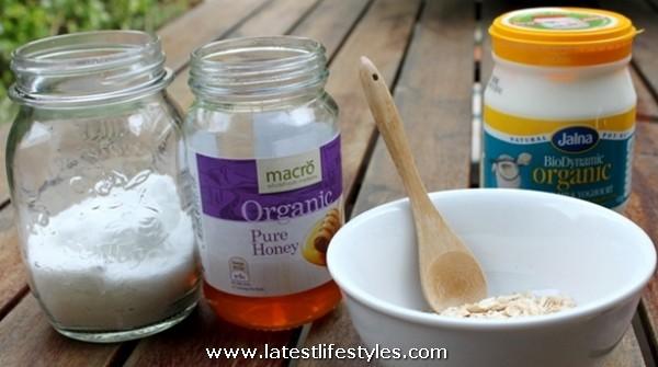Oatmilk, Honey and Yoghurt Face Scrub