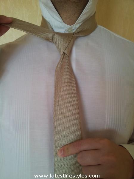 Step 10 Eldredge Tie Knot