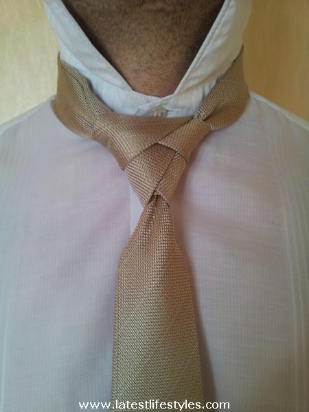 Step 14 Eldredge Tie Knot