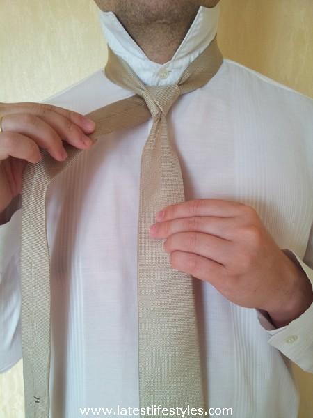Step 5 Eldredge Tie Knot