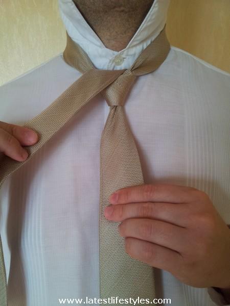 Step 7 Eldredge Tie Knot