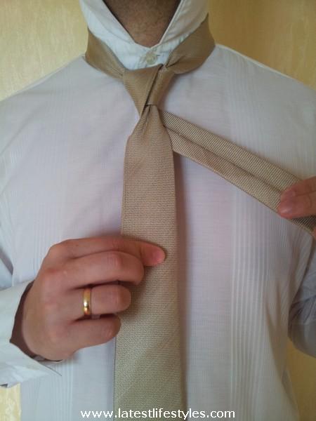 Step 8 Eldredge Tie Knot